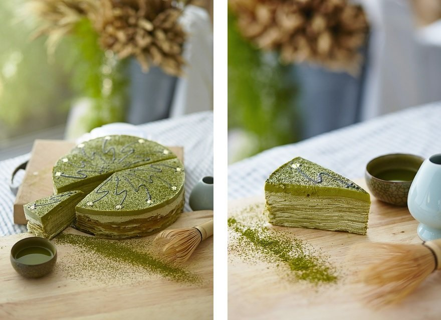 Matcha cakes on a cutting board